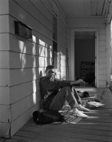 http://michaelmeyerphoto.com/files/gimgs/th-14_5_porch-portrait006.jpg