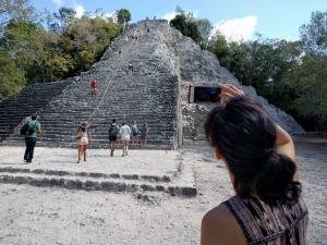 http://michaelmeyerphoto.com/files/gimgs/th-51_MMP_Picturing-104727.jpg